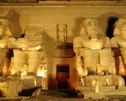 السياحة فى معبد الكرنك