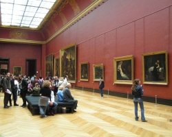 متحف اللوفر من الداخل