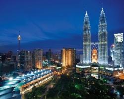 البرجين التوأم بتروناس في ماليزيا