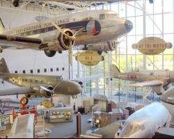 متحف الطيران والفضاء الوطنى فى واشنطن