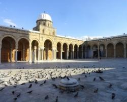 جامع الزيتونة فى تونس