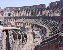 مبنى كولوسيوم فى روما