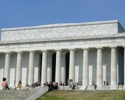 نصب لينكولن التذكارى فى واشنطن