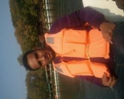 مدينة شنيانج بنهر صغيرربامكنك استاجر القارب