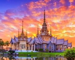 مرشد سياحى عربى و سائق بسيارة خاصة فى تايلاند