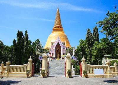 السياحة في ناخون باتوم