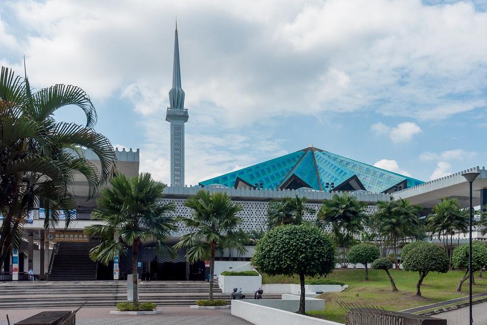 اماكن السياحة في كوالالمبور المسجد الوطني في كوالالمبور