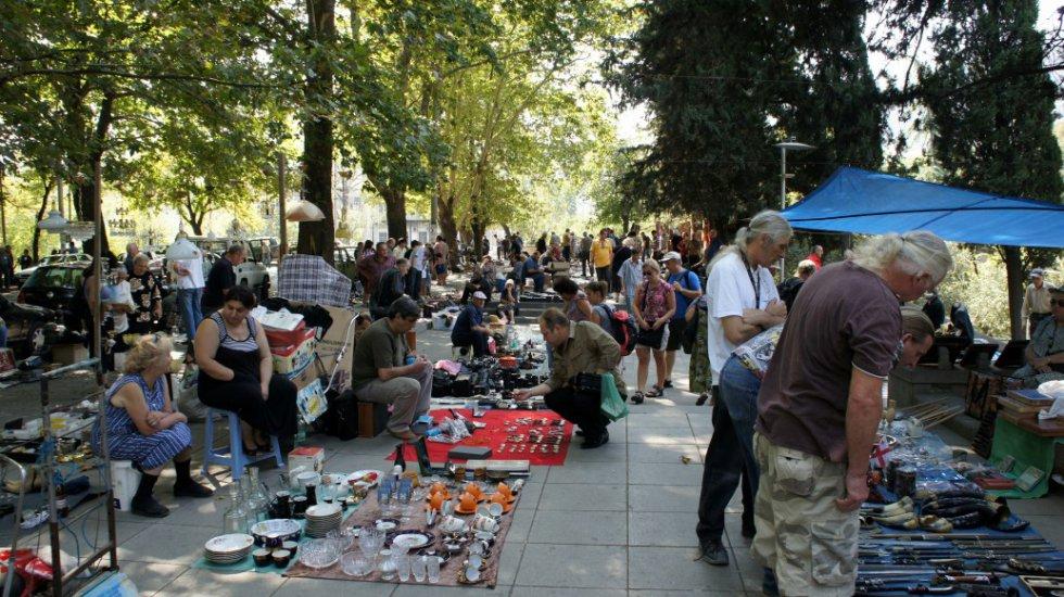 اجواء محليه للغايه -  زيارة سوق flea market  على النهر الجاف