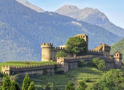 قلعة مونتيبيلو