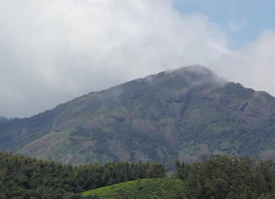جبل أكاكورا