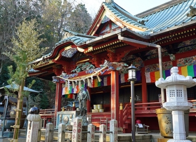 معبد تاكاو-سان ياكو-إن