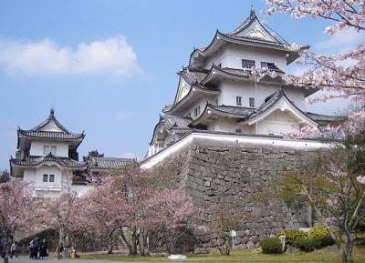 قلعة إيغا إينو