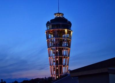 """برج منارة إنوشيما للمراقبة """"شمعة البحر إنوشيما """""""