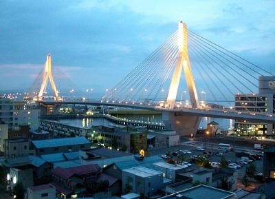 جسر خليج أوموري