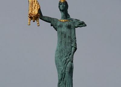 تمثال ميديا