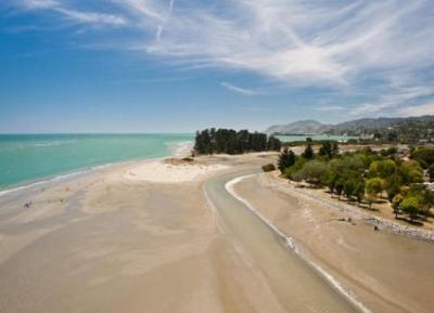 شاطئ تاهونا