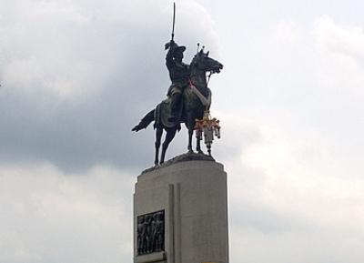 النصب التذكاري للملك تاكسين العظيم