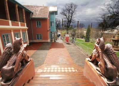 حي زسولاي الثقافي