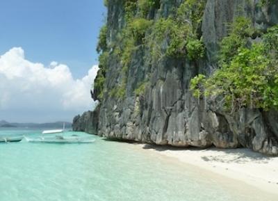 شاطئ بانول