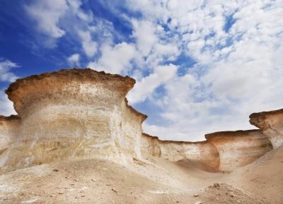 التكوينات الصخرية في رأس أبرق