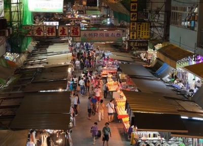 سوق شارع المعبد الليلي
