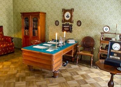 متحف دوستويفسكي