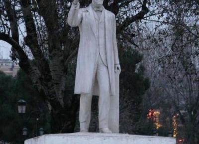 تمثال الفثيريوس فينيزيلوس