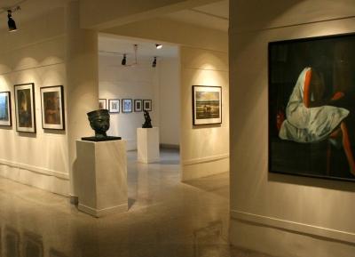 معرض أكاديمية بيرلا للفن والثقافة