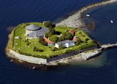 جزيرة مونكهولمن