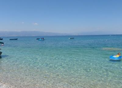 ممشى و شاطئ أوخريد