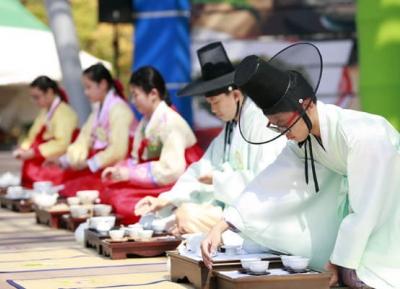 مهرجان بوسونج للشاي الأخضر