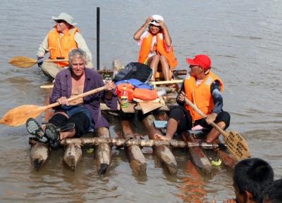سباق الطوافات في نهر الامازون العظيم