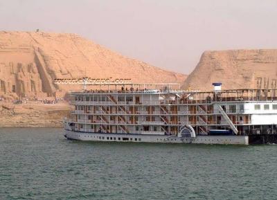 رحلة بحرية في بحيرة ناصر