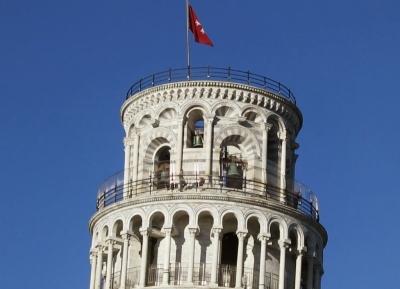 تسلق برج بيزا المائل