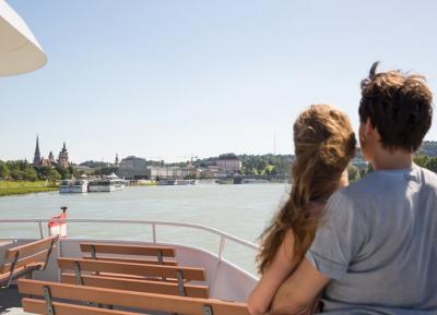 جولات القارب فى نهر الدانوب