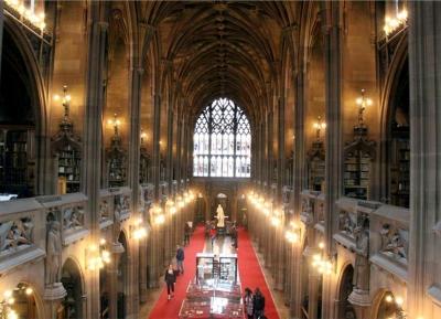 سحر الهندسة و التاريخ فى مكتبة جون راينولدز
