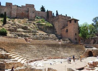 زيارة المسرح الرومانى