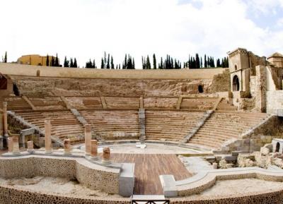 روعة الاثار الرومانيه فى متحف المسرح الرومانى