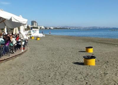 روعة مياه المتوسط فى شاطئ أكتى أوليمبيون
