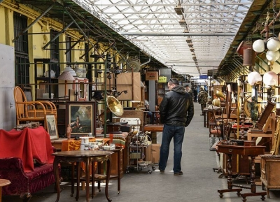 جوله فى سوق Ecseri Flea Market