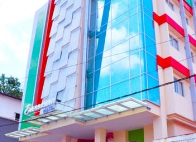 فندق إيفربرايت أمبون