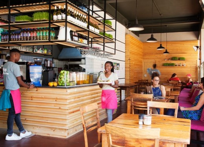 التسوق و تناول الطعام فى Fresh Earth Food Store