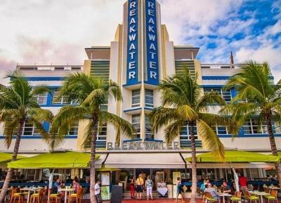 استمتع بجمال العمارة فى منطقه Art Deco District
