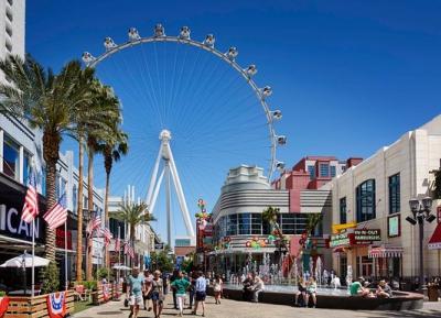 استمتع بالتسوق و الطعام و الترفيه فى  LINQ Promenade